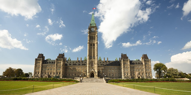 Colina do Parlamento em Ottawa