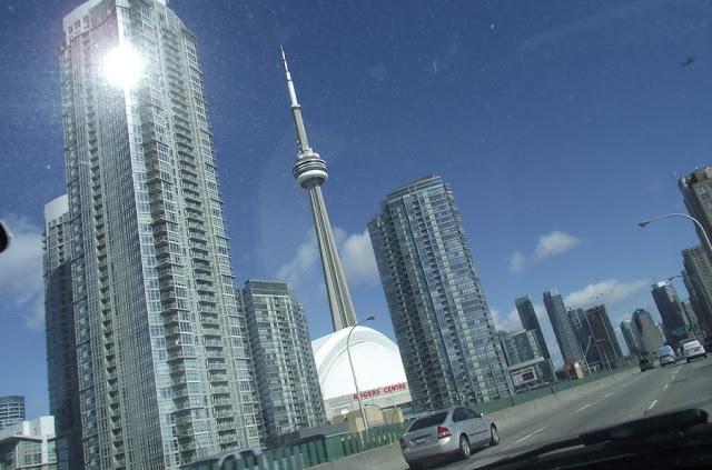 Aluguel de carro no aeroporto de Toronto