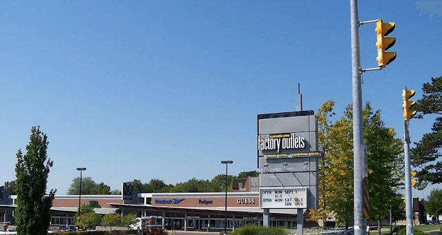 Canada One Factory Outlets em Niagara Falls
