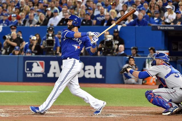 Partida de baisebol no Rogers Centre em Toronto